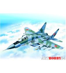 72141 Самолет МиГ-29