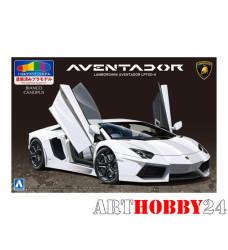 01139 Lamborghini Aventador LP700-4 (White Pearl)