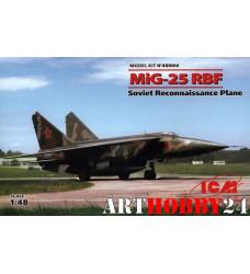 48904 МиГ-25 РБФ, Советский самолет-разведчик